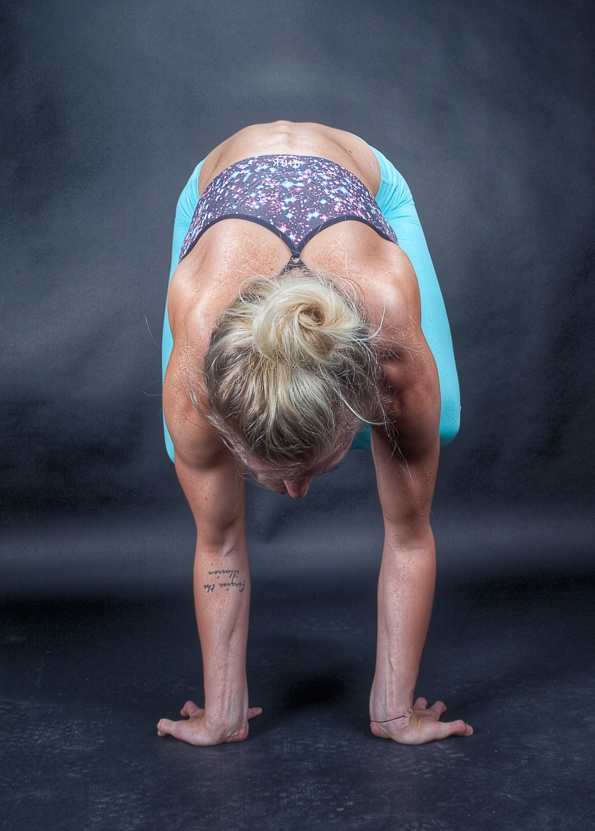 Bakasana - Crow with reverse hands