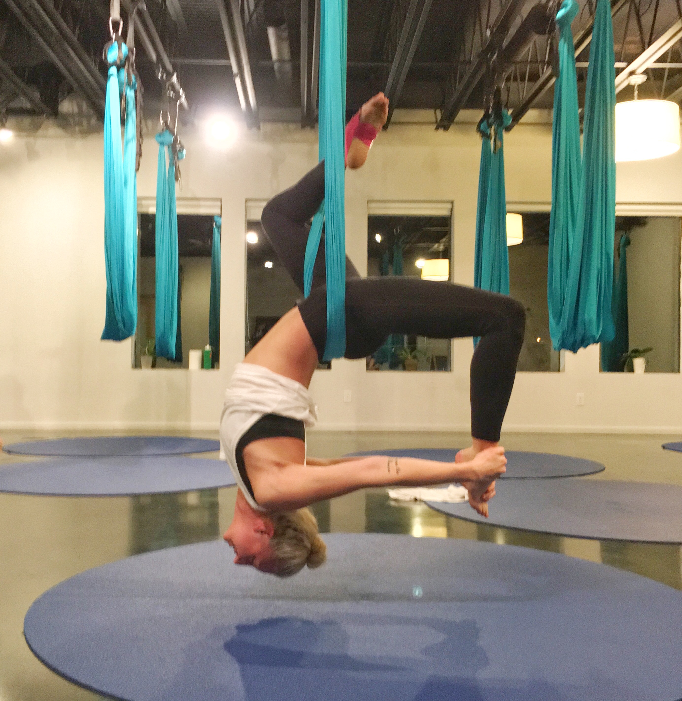 Weekend Update: Aerial Yoga, Acupuncture, Cryotherapy & More!